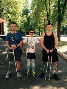 Юля Волкова з пораненими бійцями