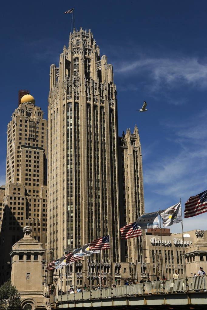chicago-tribune-tower-08-ear-2