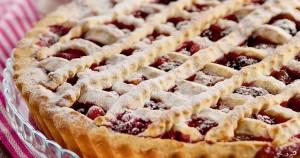 Открытый песочный пирог с ягодами в духовке рецепт