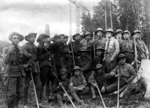 О.Тисовський разом із стрийськими пластунами на г. Маківка, після впорядкування могил січових стрільців,1922 р.;