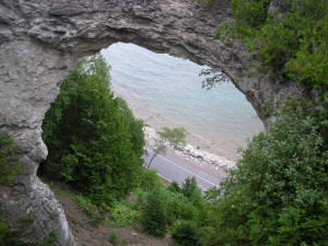Mackinac_Island_July_2010_13_(Arch_Rock)
