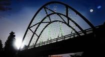 ct-606-milwaukee-bridge-lights-met-20161010