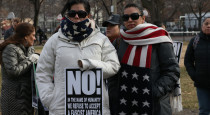 2 chi-immigration-rally-ct0047954876-20170216
