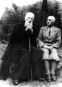 Климентій Шептицький (зліва), брат Митрополита, та генерал УГА Мирон Тарнавський, 1930-ті рр.