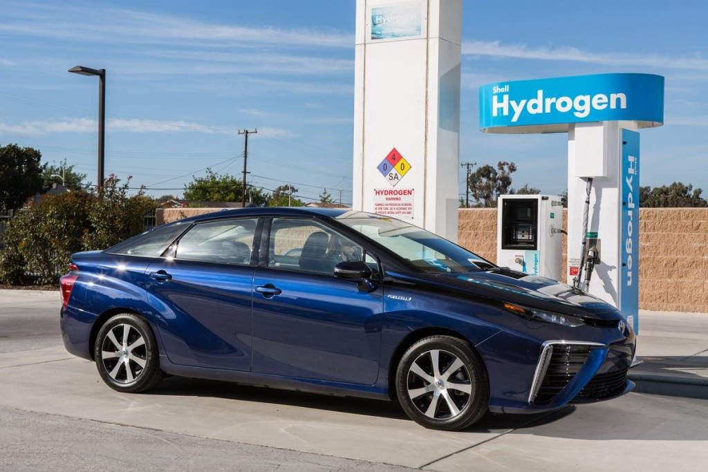 the-toyota-mirai-can-drive-for-312-miles-before-needing-a-refuel-and-reaches-a-top-speed-of-111-miles-per-hour