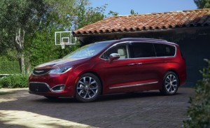2017-Chrysler-Pacifica-1151-626x382