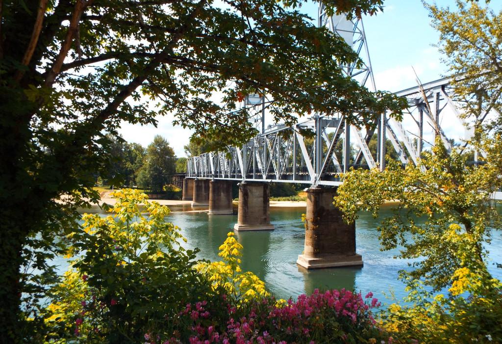 Salem Oregon's pedestrian bridge