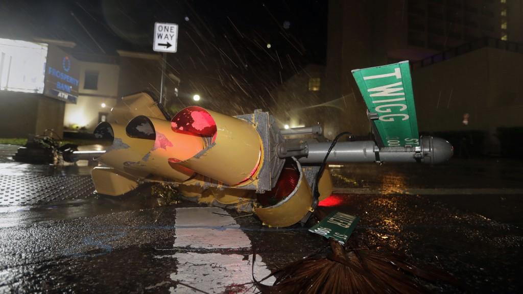 hurricane-harvey-downed-streetlight-e1503754292743