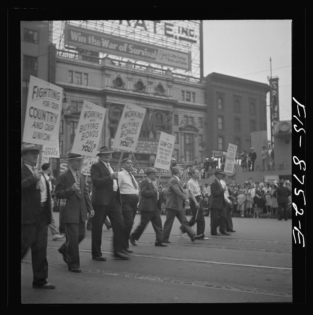 labor-day-marchers-1942-detroit_8d22583v