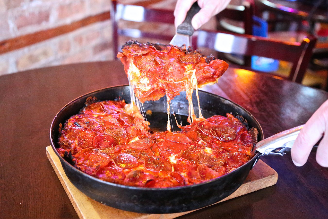 pequods-carmelized-deep-dish-pizza