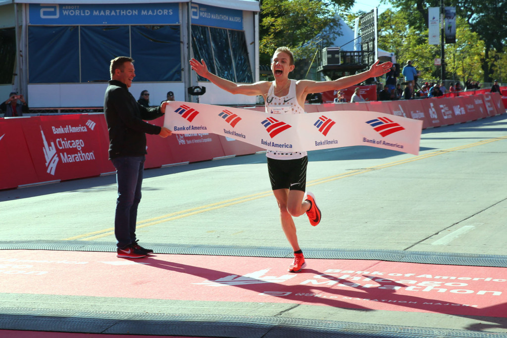 5 ct-galen-rupp-becomes-first-american-to-win-chicago-marathon-since-2002-20171008