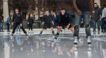 chi-ct-ice-skating-ct0048288032-20171114