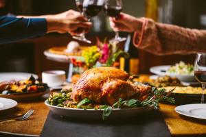 ct-thanksgiving-restaurants-open-dinner-take-out-chicago-2016