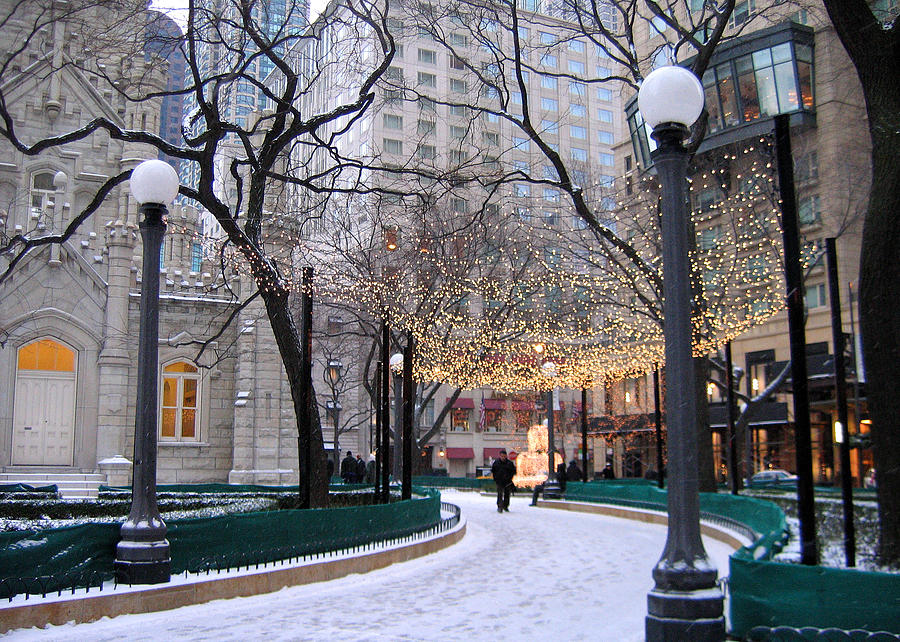 tumblr_static_christmas-in-chicago-laura-kinker