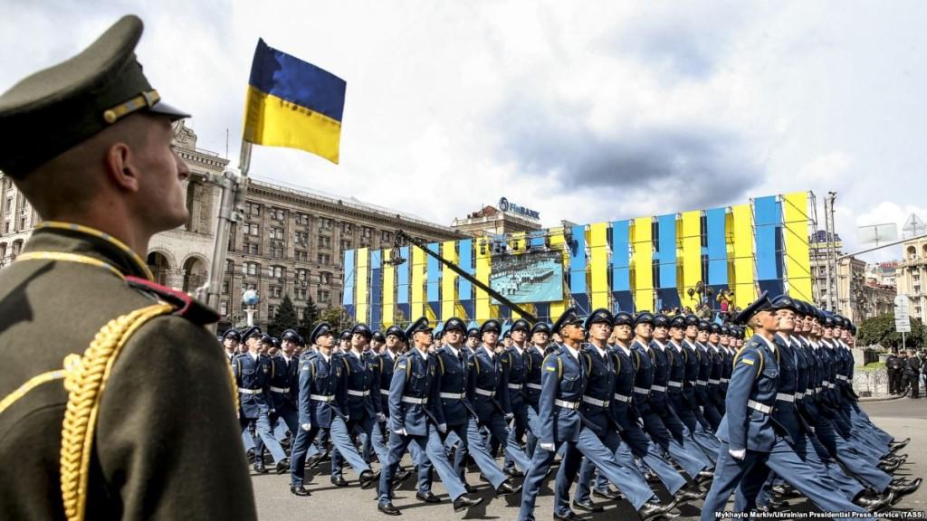 24 серпня під час параду у Києві з нагоди 26-ї річниці проголошення незалежності України