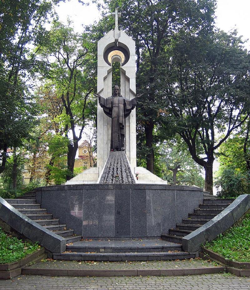 854px-Памятник_Ісусу_Христу_у_Івано-Франківську
