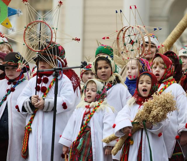 Christmas-caroling-2012-in-Lviv-Ukraine