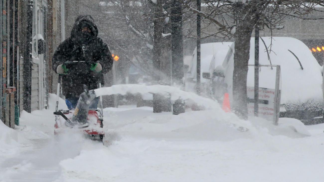 ct-chicago-winter-storm-photos-20180209-007