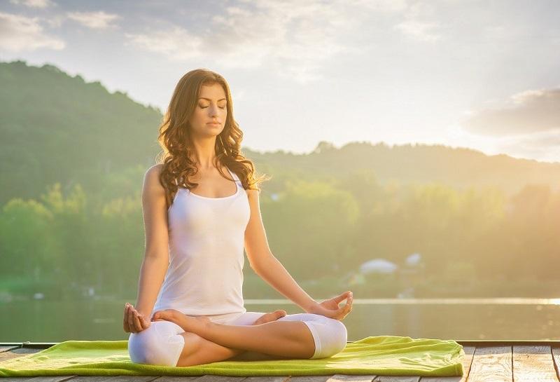 1471032547_yoga-dlya-spiny-i-pozvonochnika (1)