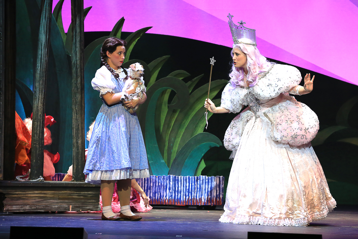 The Wizard of Oz - Dorothy and Glinda